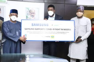 Covid-19: Samsung and MTN Donates Smart Phones and Data to FG