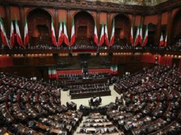 Italy votes in referendum on downsizing parliament