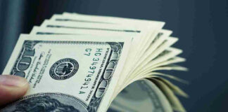 U.S Dollar Moves Higher Monday Amid Concerns About China